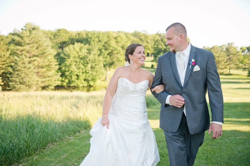 Lauren & Austin's Navy + Hot Pink Wedding :: Piney Branch Golf Course, Uppercoe MD