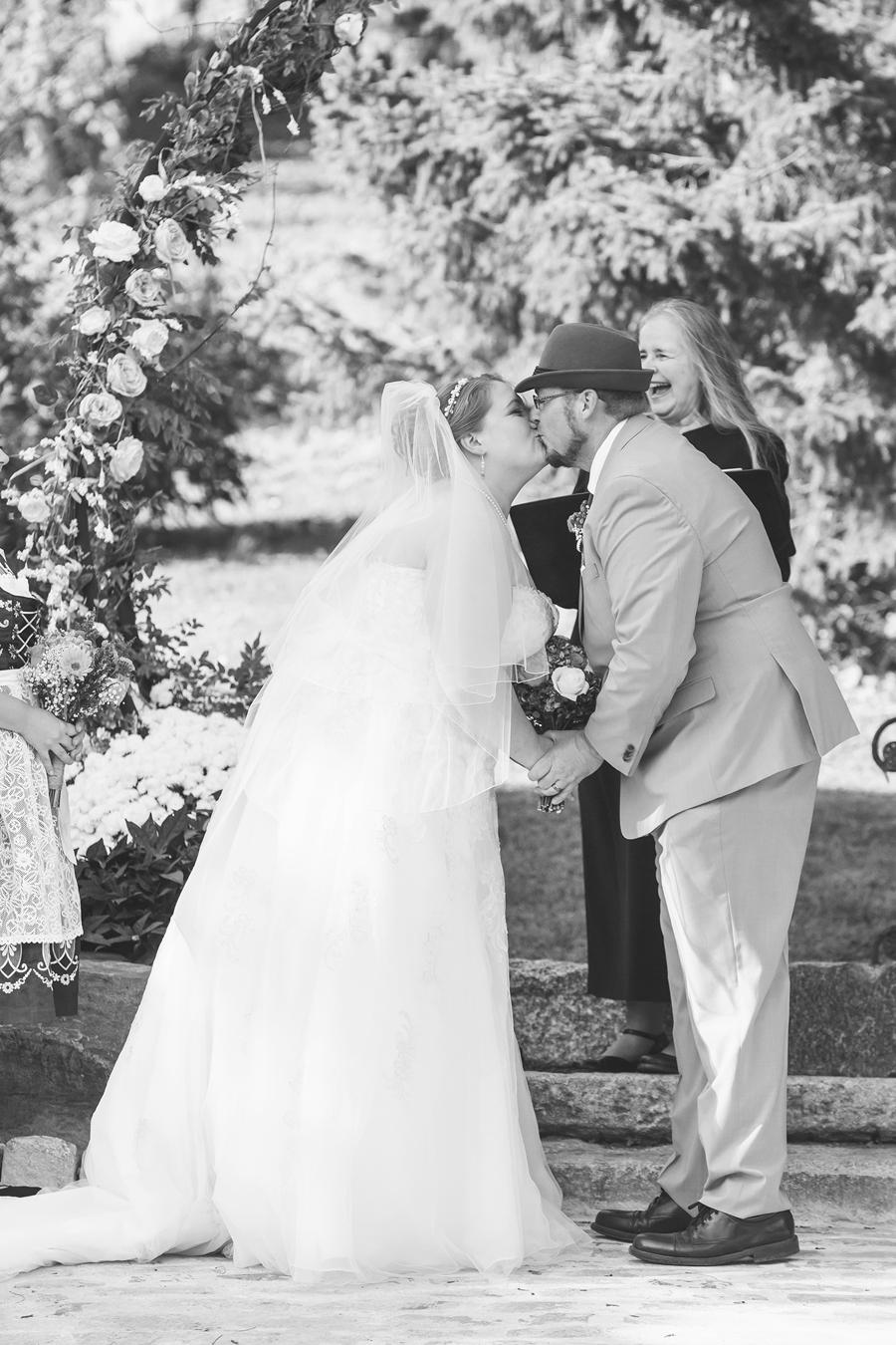 087-0493-kmb_wedding-1387b